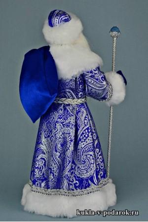 Фото Дед Мороз с мешком в красной и синей шубе