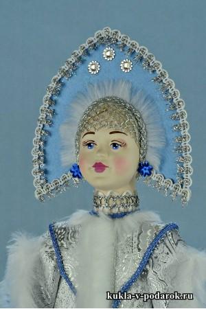 фото красивая Снегурочка голова из фарфора