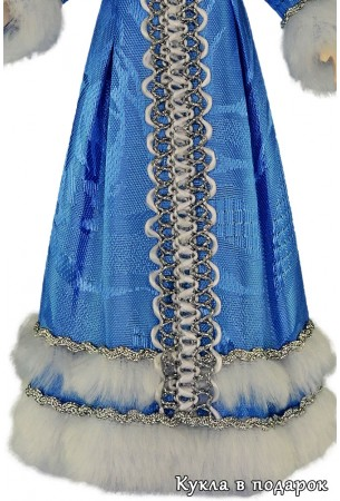 Отделка одежды куклы Снегурочка под елку