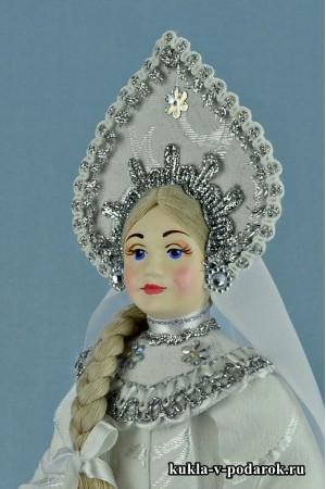 фото Снегурочка в русском народном костюме
