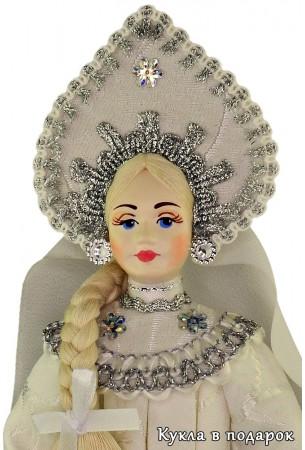 Снегурочка в русском народном костюме