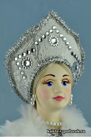 фото кукла Снегурочка в красивом кокошнике