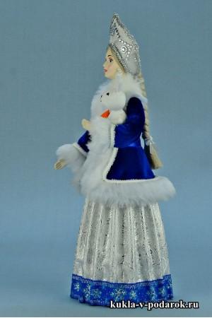 фото Снегурочка в кокошнике с русской косой