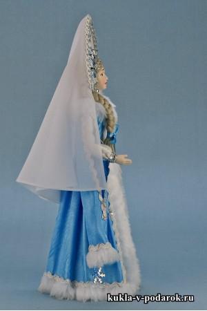 Фото кукла из русской сказки Снегурочка