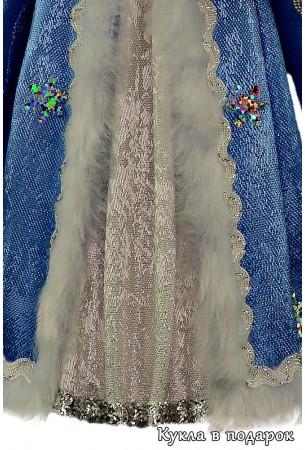 Изящное платье куклы Снегурочка