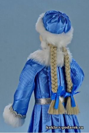 фото новогодняя Снегурочка кукла в шапочке