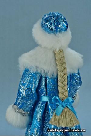 Фото Снегурочка игрушка красивая кукла на Новый год
