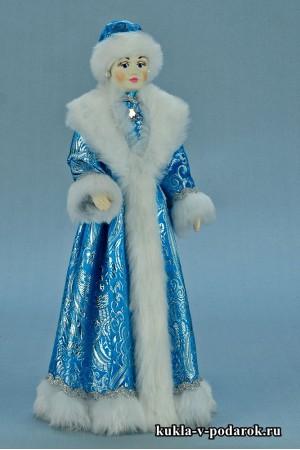 Фото Снегурочка игрушка в круглой меховой шапке