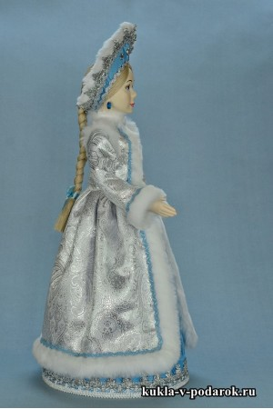 фото Снегурочка внучка кукла в кокошнике