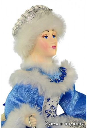 Кукла на чайник с приятным фарфоровым личиком