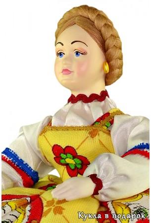 Баба на чайник красивая кукла