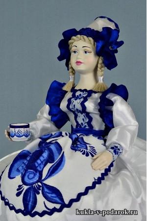фото в стиле Гжель белая синяя кукла