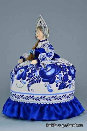 Фото Гжель сувенир на чайник кукла с косой
