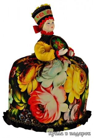 Кукла грелка с жостовским подносом в руках