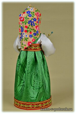 Сувенир в подарок кукла игольница