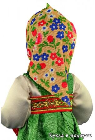 Кукла в цветастом платке на голове