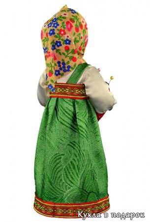 Вид со спины на куклу игольницу Маша