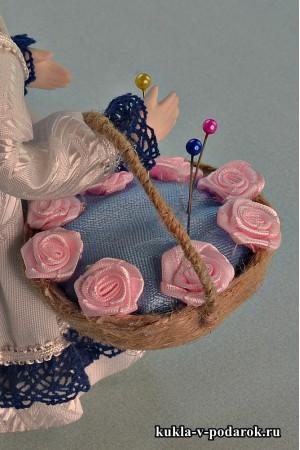 Кукла игольница с корзинкой