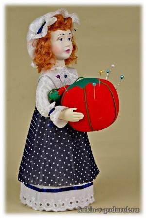 Красивая ручная работа кукла игольница