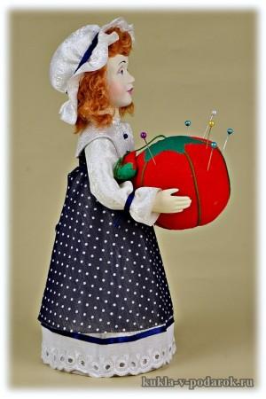 Игольница ручной работы красивая кукла