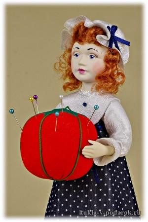 Сувенир недорогая красивая кукла игольница