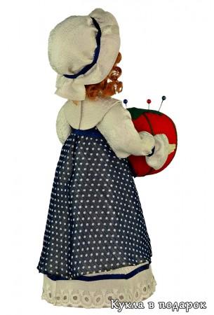 Московский сувенир недорогая кукла игольница