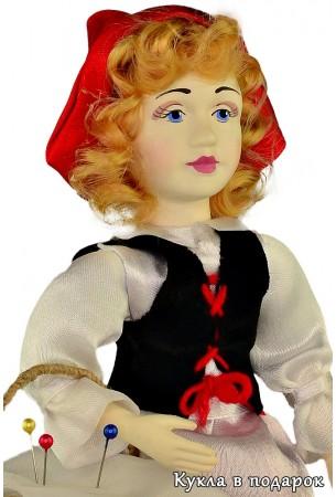 Игольница фарфоровая кукла Красная Шапочка