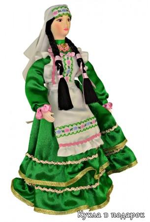 Кукла татарская женщина в зеленом костюме