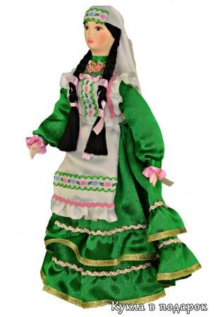Татарская кукла в национальном костюме