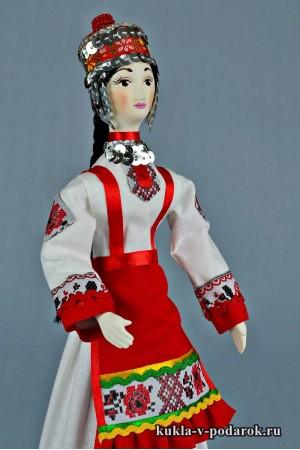 Чувашская кукла в народной одежде