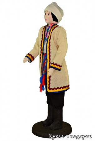 Недорогой подарок марийский мужчина в национальном костюме