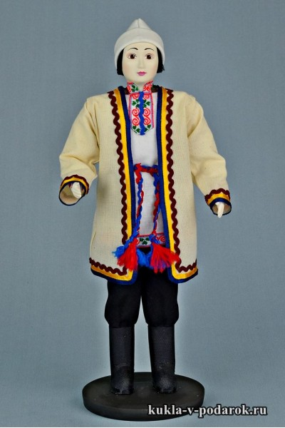 Мариец в национальном костюме