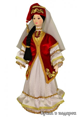Кукла красивая татарская женщина