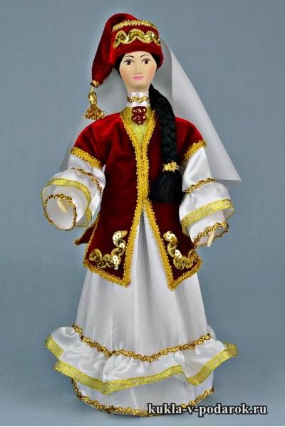 Кукла в татарском костюме