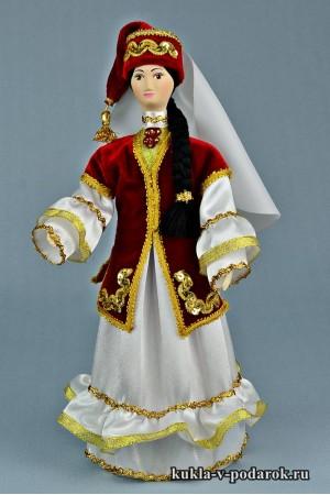 кукла в татарском костюме в народном стиле