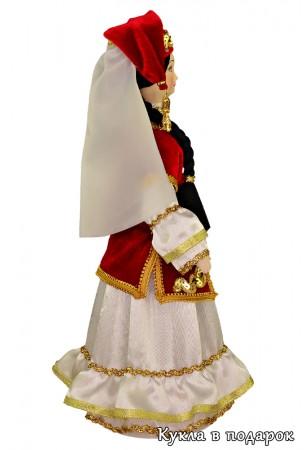 Кукла в праздничном татарском женском костюме