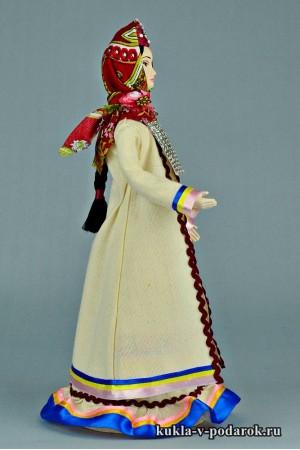 Марийская кукла в национальном костюме