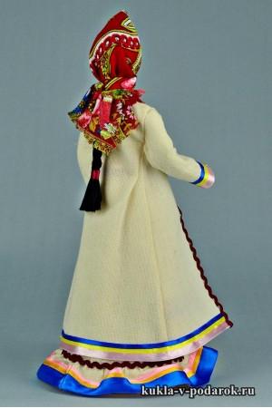 Марийская кукла в народной одежде