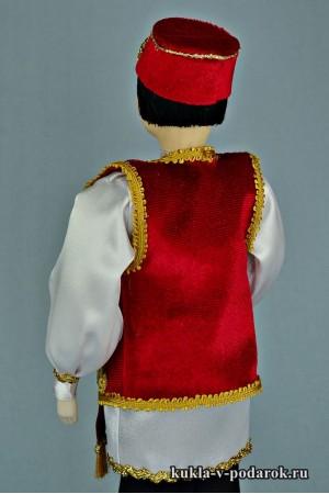 Татарин в национальном костюме кукла из фарфора