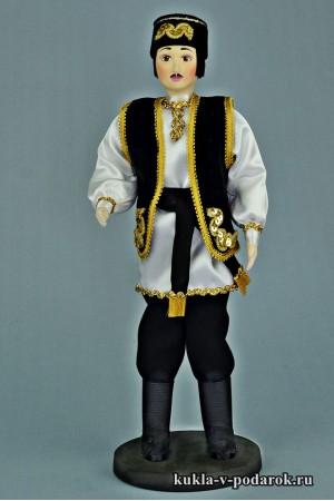 Татарин в национальном костюме народов Поволжья