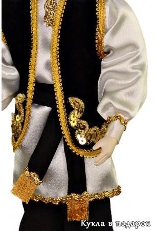 Украшения и вышивка национального костюма татар
