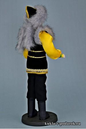 Башкир в национальном костюме кукла из фарфора