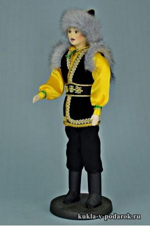 Башкир в национальном костюме интерьерная кукла
