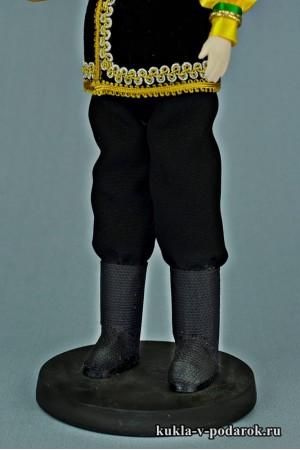 Башкир в национальном костюме детали одежды