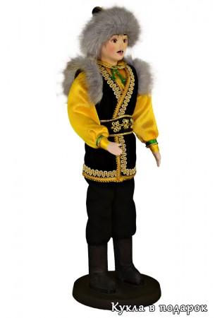 Кукла башкир в праздничном мужском костюме