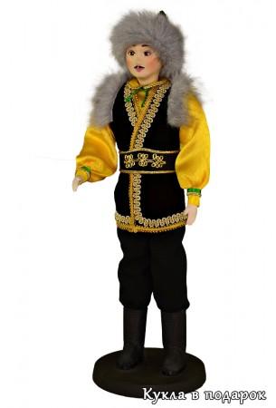 Мужчина башкир в праздничном костюме