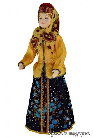Вологодская фарфоровая кукла в народной одежде