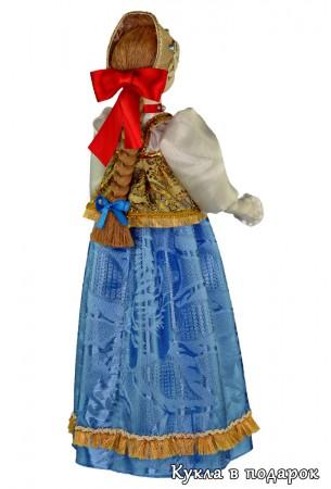 Красивая кукла в костюме Нижнего Новгорода