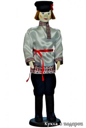 Русская кукла мужчина в народном костюме