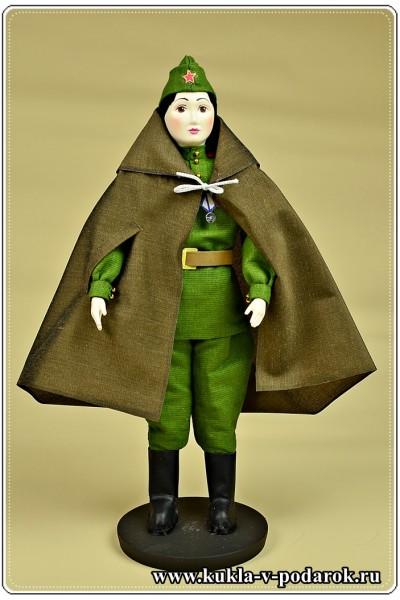Кукла молодой солдат
